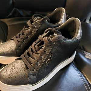 GUESS HI TOP SNEAKERS ,  LIKE NEW CONDITION